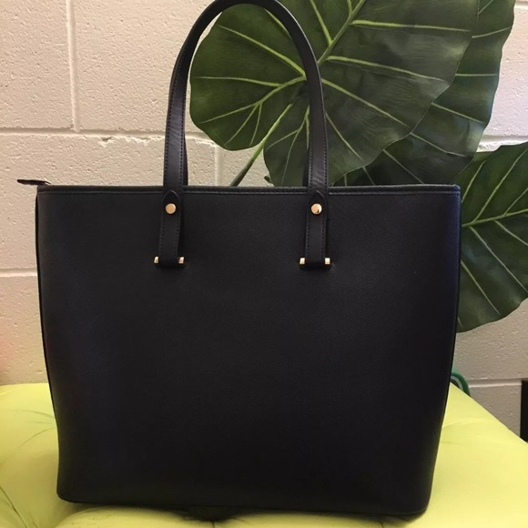 to buy offer discounts sells H&M Black handbag Shoulder Bag fits laptop